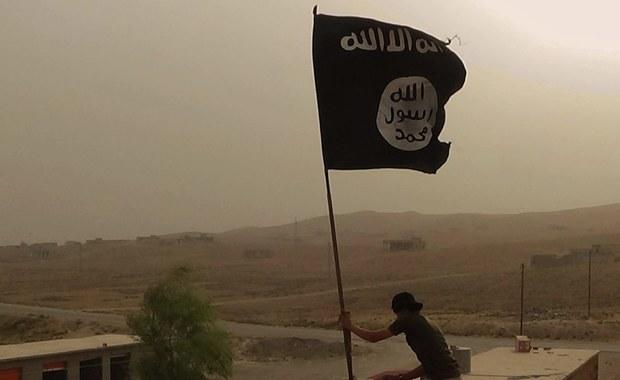 """""""New York Times"""": Państwo Islamskie znów rośnie w siłę"""