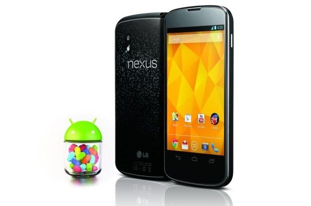 """Nexus 4 - wiele osób czekało na ten debiut w naszym kraju, chcąc kupić telefon z """"czystą"""" wersją najnowszego Androida /materiały prasowe"""