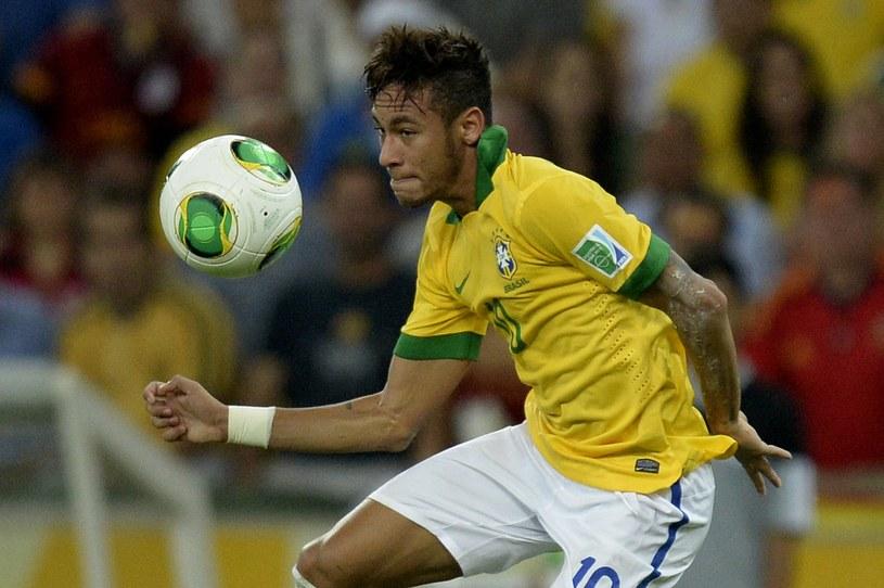Neymar, bohater jednego z najbardziej kuriozalnych transferów w historii /AFP