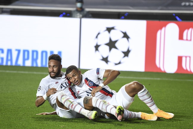 Neymar i  Kylian Mbappe /David Ramos / POOL /PAP/EPA
