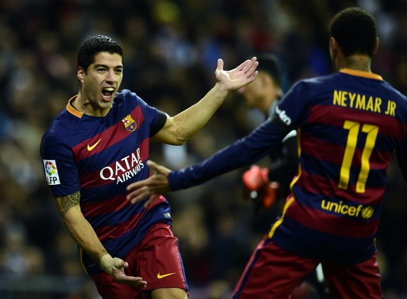 Neymar i Suarez cieszą się po zdobyciu gola /AFP