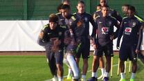 Neymar instruuje kolegów na treningu reprezentacji Brazylii. Wideo