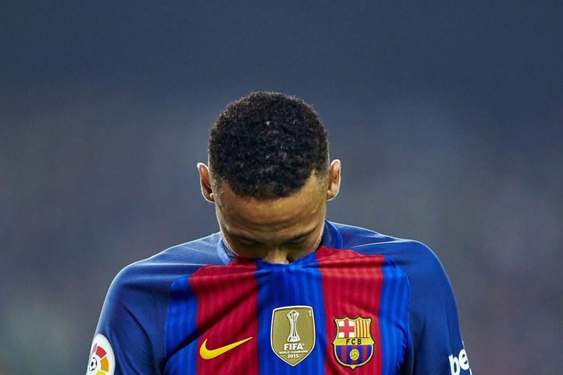 Neymar nie ma ostatnio szczęścia. Do oskarżeń ws. transferu do Barcelony, słabej formy sportowej, doszło niefortunne zdarzenie drogowe /PAP/EPA