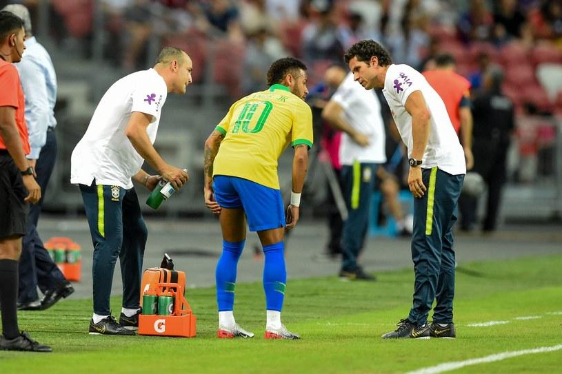 Neymar podczas meczu z Nigerią /AFP