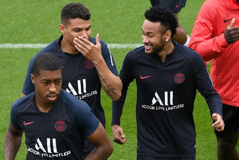 Neymar potrafi być na treningach PSG w dobrym humorze /AFP