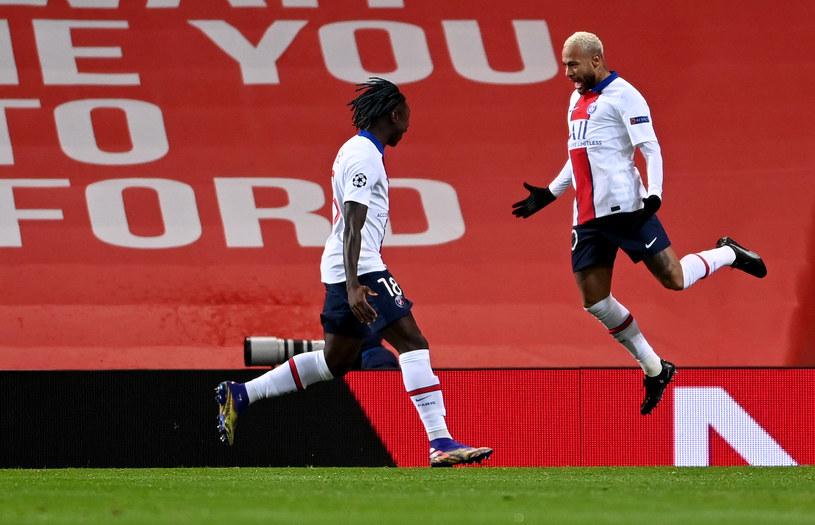 Neymar strzelił dwa gole na Old Trafford, z lewej Moise Kean /Laurence Griffiths /Getty Images
