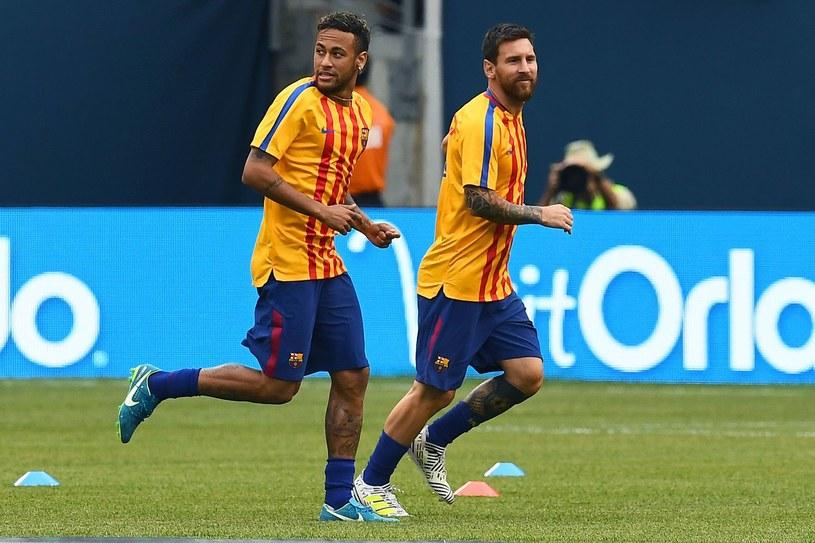 Neymar (z lewej) i Lionel Messi jeszcze z wspólnych czasów w Barcelonie /AFP