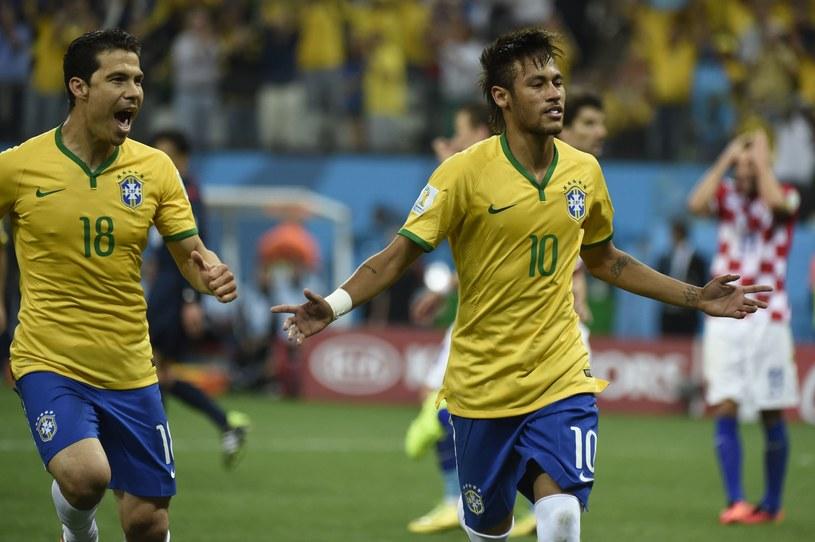 Neymar, z pomocą sędziego, poprowadził Brazylię do zwycięstwa /AFP