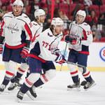 NHL. 12 goli i dwa hat-tricki - tak przebiegł mecz w Ottawie