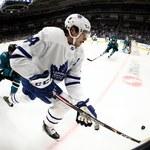NHL. Auston Matthews z Maple Leafs z pozytywnym wynikiem testu na koronawirusa