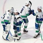 NHL. Flyers i Canucks pozostają w grze o Puchar Stanleya