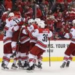 NHL. Piąte z rzędu zwycięstwa Hurricanes i Islanders