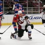 NHL: Strzelanina w Pittsburghu, emocje w Chicago