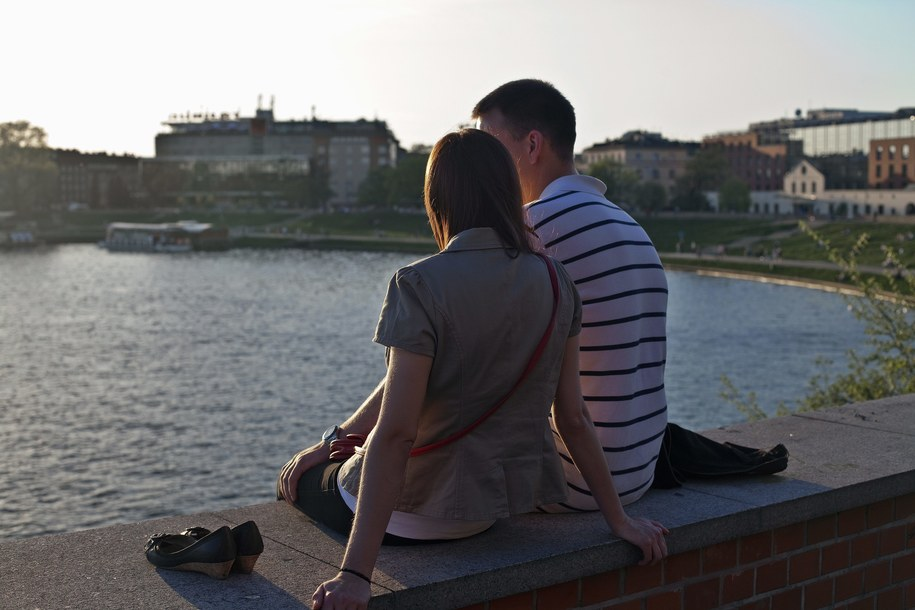 Nic nie ryzykujemy przełamując swoją nieśmiałość - zapewnia psycholog w rozmowie z RMF FM /Jerzy Ochoński   /PAP