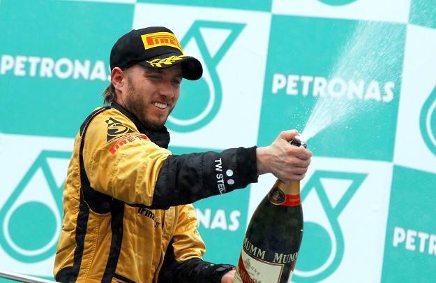 Nick Heidfeld z Lotus Renault /PAP/EPA