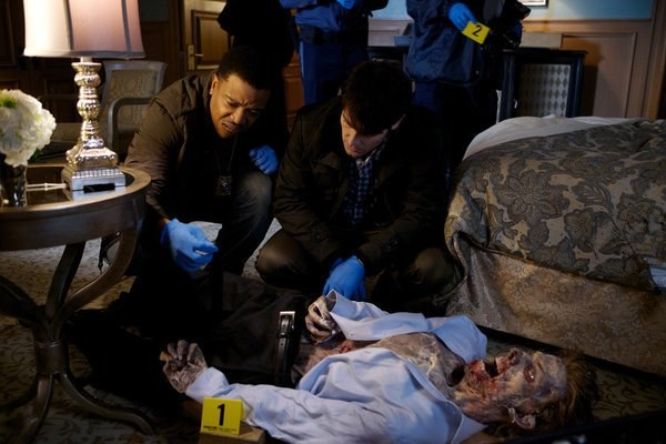 Nick, jako ostatni żyjący łowca, robi wszystko, by uchronić ludzkość przed potworami z legend /NBC Scott Green /materiały prasowe
