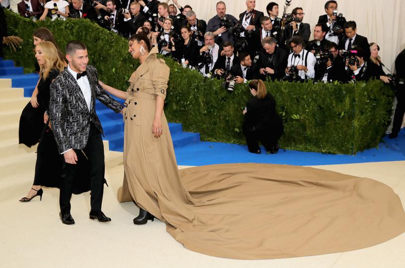 Nick Jonas i Priyanka Chopra na MET Gali /Neilson Barnard /Getty Images