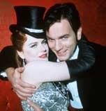 "Nicole Kidman i Ewan McGregor w filmie ""Moulin Rouge"" /"
