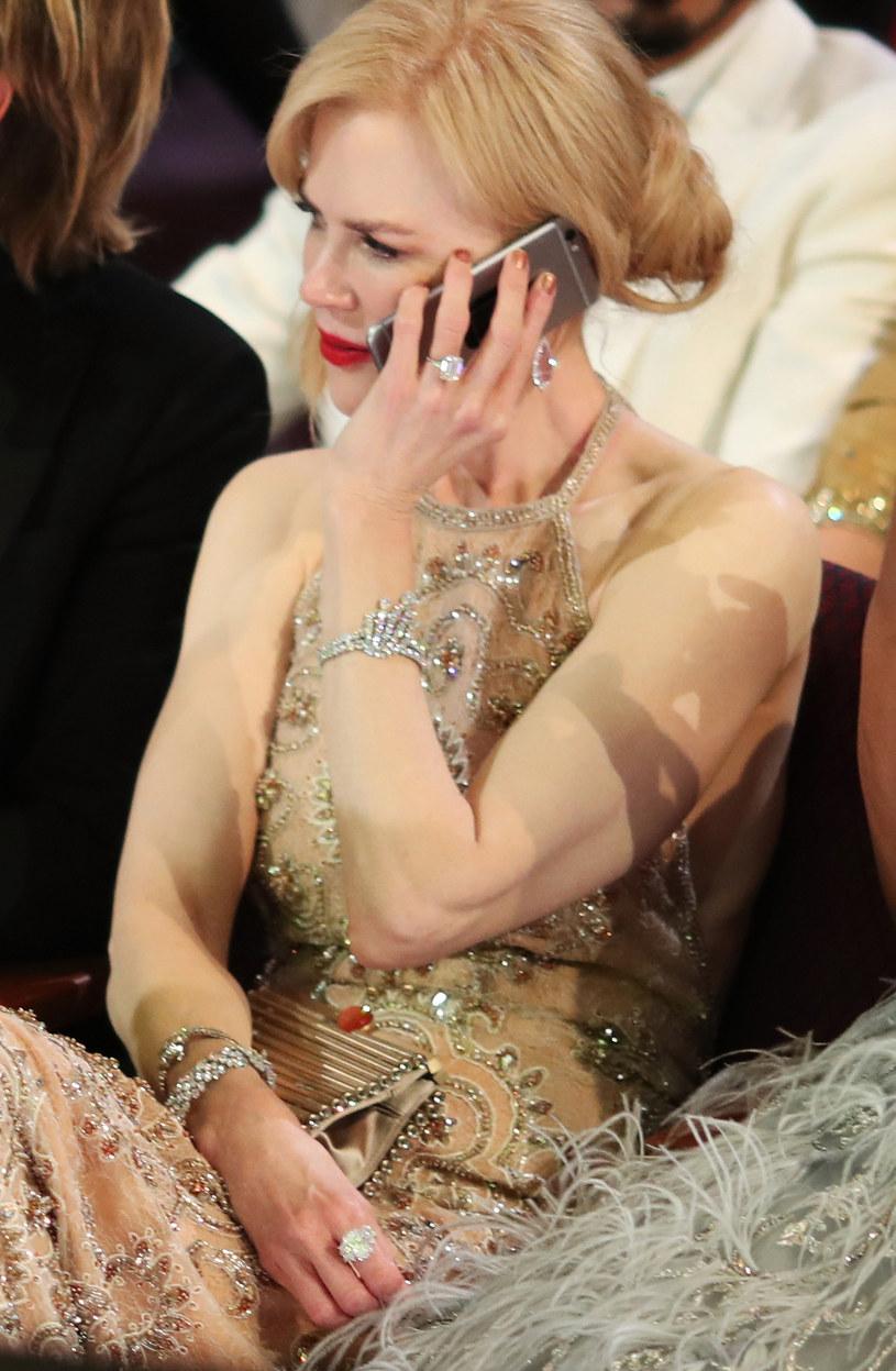 Nicole Kidman przeszkadzał w klaskaniu drogi pierścionek /Christopher Polk /Getty Images