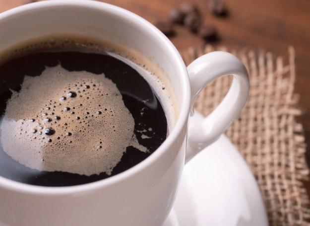 Nie bój się czarnej kawy! Mocno podkręca metabolizm i dodaje energii! /123RF/PICSEL