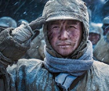 """""""Nie czas umierać"""": Chińska superprodukcja zdeklasowała nowy film o Bondzie"""