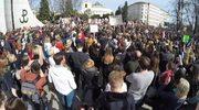 """""""Nie dla torturowania kobiet"""". Protesty przeciwko zakazowi aborcji"""