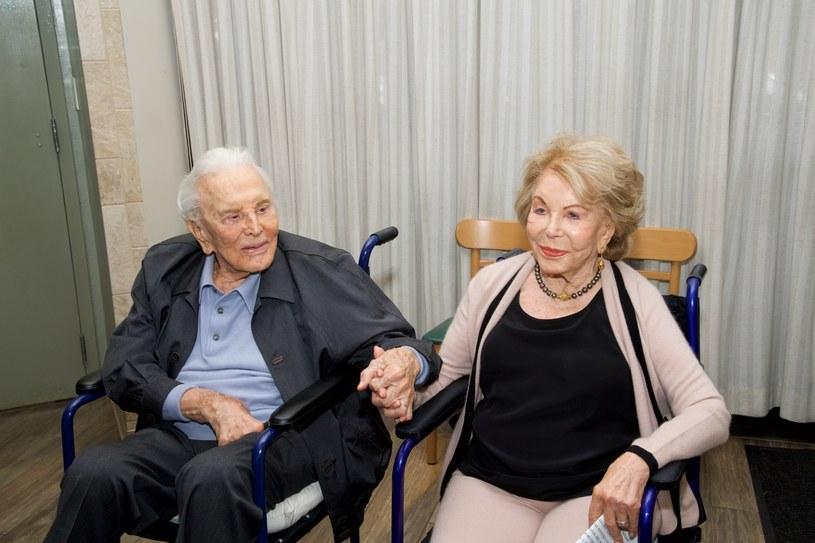 Nie do wiary! Kirk Douglas i Anne Buydens są małżeństwem już 65 lat /Earl Gibson III/WireImage /Getty Images