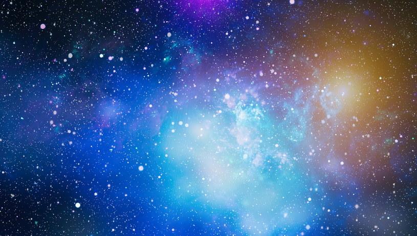 Nie istnieje Wszechświat z czasem płynącym wstecz /123RF/PICSEL