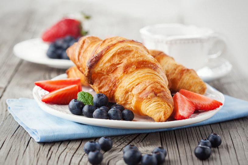 Nie jedz rano słodkich rogalików /©123RF/PICSEL