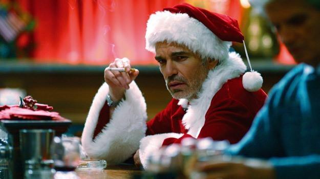"""Nie jest łatwo być Świętym Mikołajem... Billy Bob Thornton w filmie """"Zły Mikołaj"""" /materiały prasowe"""
