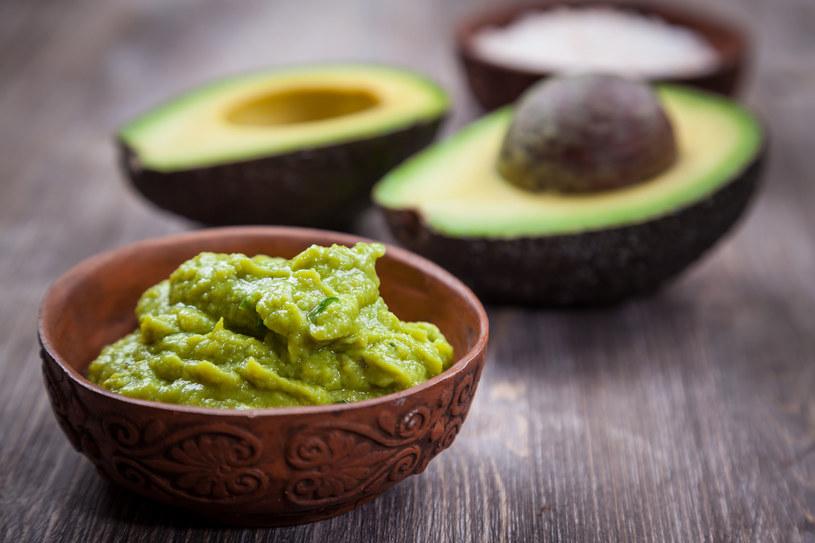 Nie jest łatwo znaleźć w sklepie dojrzały owoc, który jest w sam raz, aby przygotować domowe guacamole /123RF/PICSEL