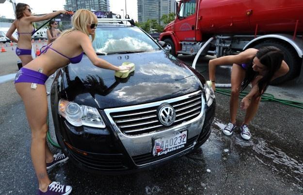 Nie każde mycie samochodu musi kojarzyć się źle /AFP