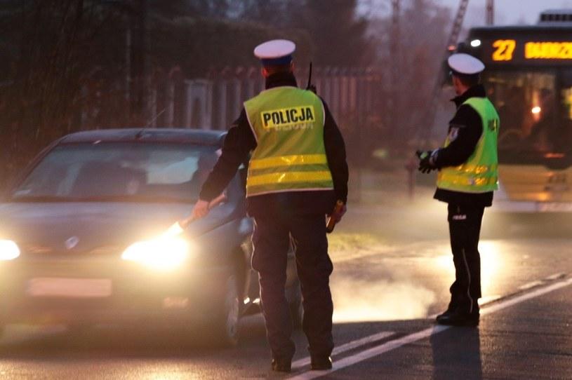Nie każde zatrzymanie przez policjanta jest słuszne, ale bez dowodów na jego błąd nic nie zdziałamy /Piotr Jędzura /Reporter