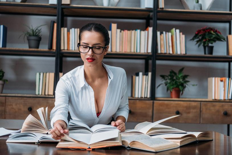 Nie każdy kierunek studiów gwarantuje wysokie zarobki /123RF/PICSEL
