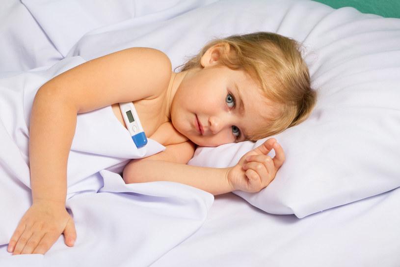 Nie każdy lek jest bezpieczny dla dziecka /123RF/PICSEL
