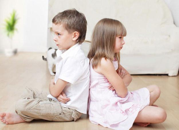 Nie każdy musi wiedzieć o chorobach twojego dziecka. Chyba, ze ta wiedza może uratować mu życie. /123RF/PICSEL