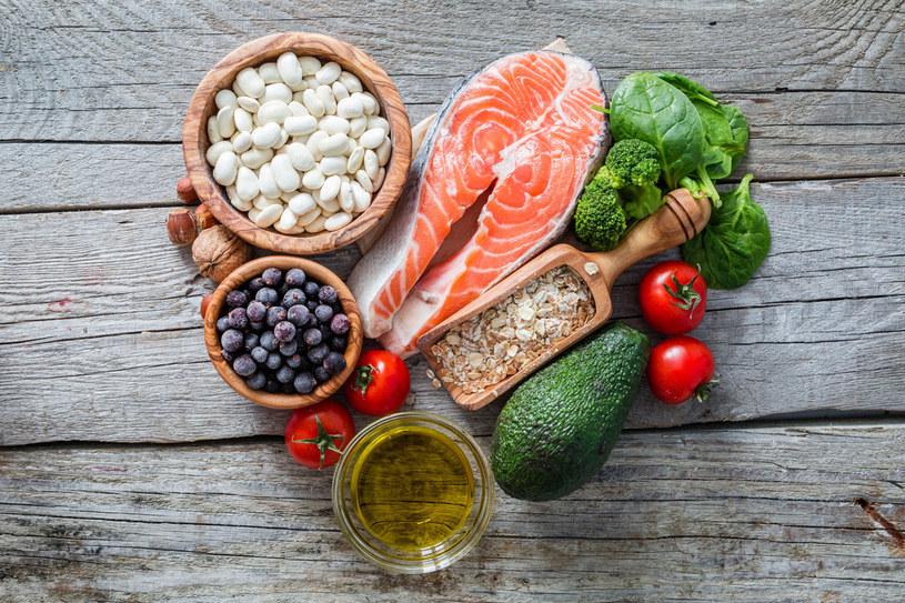 Nie ma jednej uniwersalnej diety. Zapotrzebowanie na składniki odżywcze warunkują geny /123RF/PICSEL