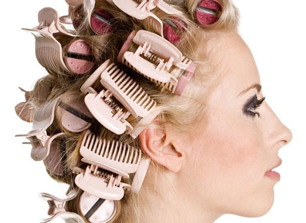 Nie męcz włosów zabiegami i skomplikowanymi fryzurami /© Panthermedia