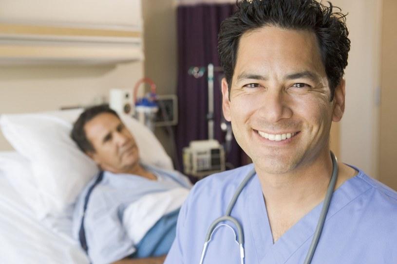 Nie można bać się wizyty u lekarza. Może ona oszczędzić poważnego zabiegu /123RF/PICSEL