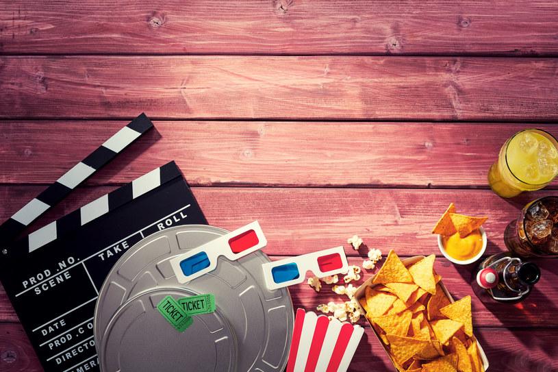 Nie musisz wychodzić do kina, by świetnie bawić się na seansie. /materiały prasowe