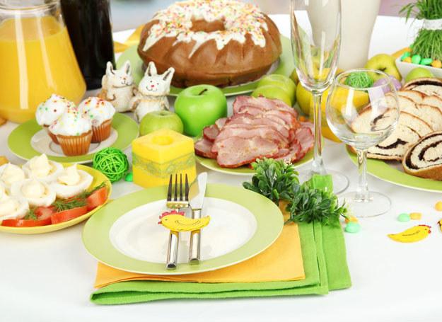 Nie musisz wydać fortuny, by przygotować pyszne dania wielkanocne /123RF/PICSEL
