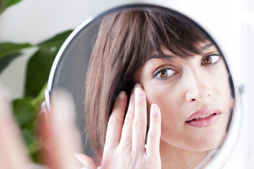 Nie myśl, że samo zewnętrzne pielęgnowanie skóry i wystrzeganie się pewnych niewskazanych sytuacji pozwoli ci zachować zdrową cerę /123RF/PICSEL