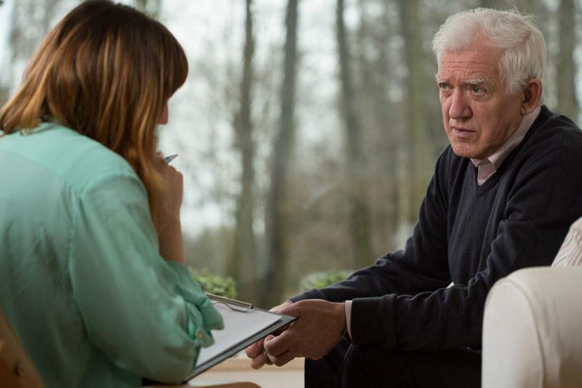 Nie należy bać się skorzystania z pomocy psychiatry bądź psychologa /123RF/PICSEL