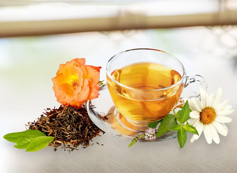 Nie należy przesadzać z ilością zielonej herbaty – w tym przypadku w zupełności wystarczy 3–5 filiżanek tygodniowo /Picsel /123RF/PICSEL