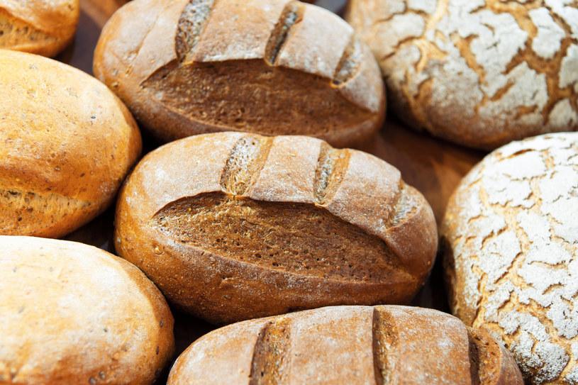 Nie należy wykluczać całkowicie chleba z diety /123RF/PICSEL