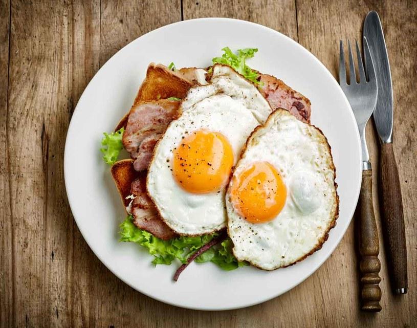 Nie obciążaj wątroby. Zmniejszysz ryzyko problemów z cholesterolem /123RF/PICSEL