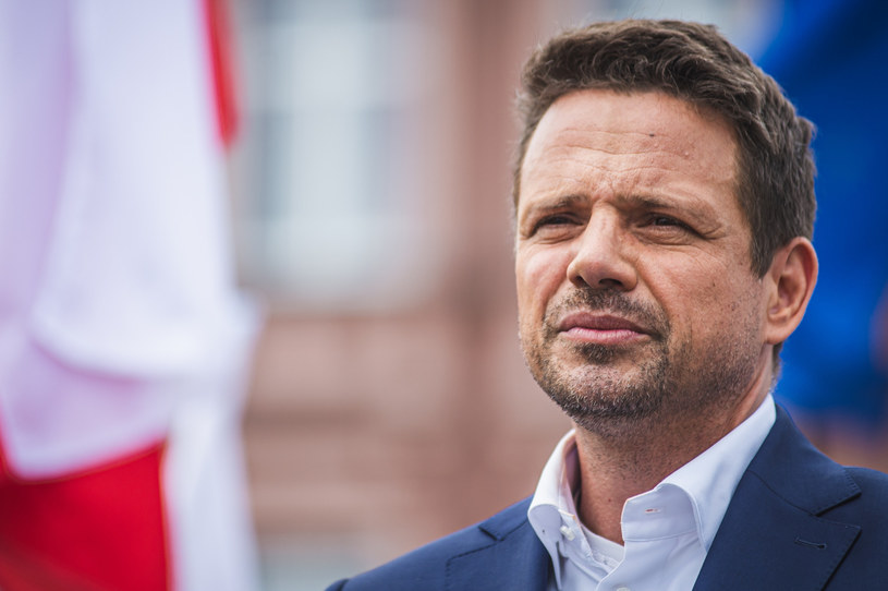 Nie odbędą się dwa marsze planowane na 15 sierpnia ze względu na negatywną opinię sanepidu. Na zdjęciu Rafał Trzaskowski /Karol Makurat /Reporter
