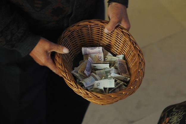 """Nie odliczymy wpłat """"na tacę"""" oraz wpłat w czasie kolędowania w parafiach, fot. Witold Rozbicki /Reporter"""