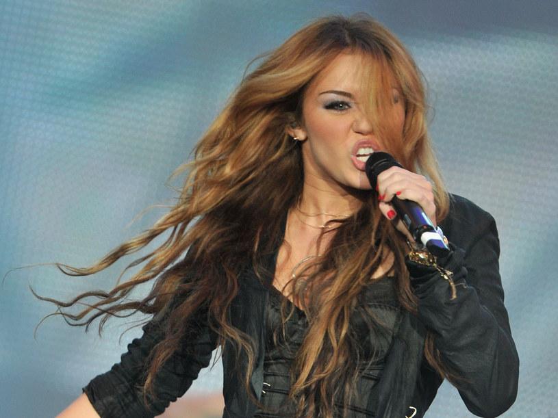 """""""Nie powiem, że nie piję"""" - prowokuje idolka nastolatek  /Getty Images/Flash Press Media"""