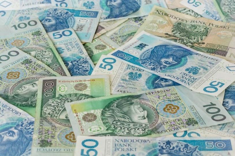 Nie pożyczaj pieniędzy /©123RF/PICSEL